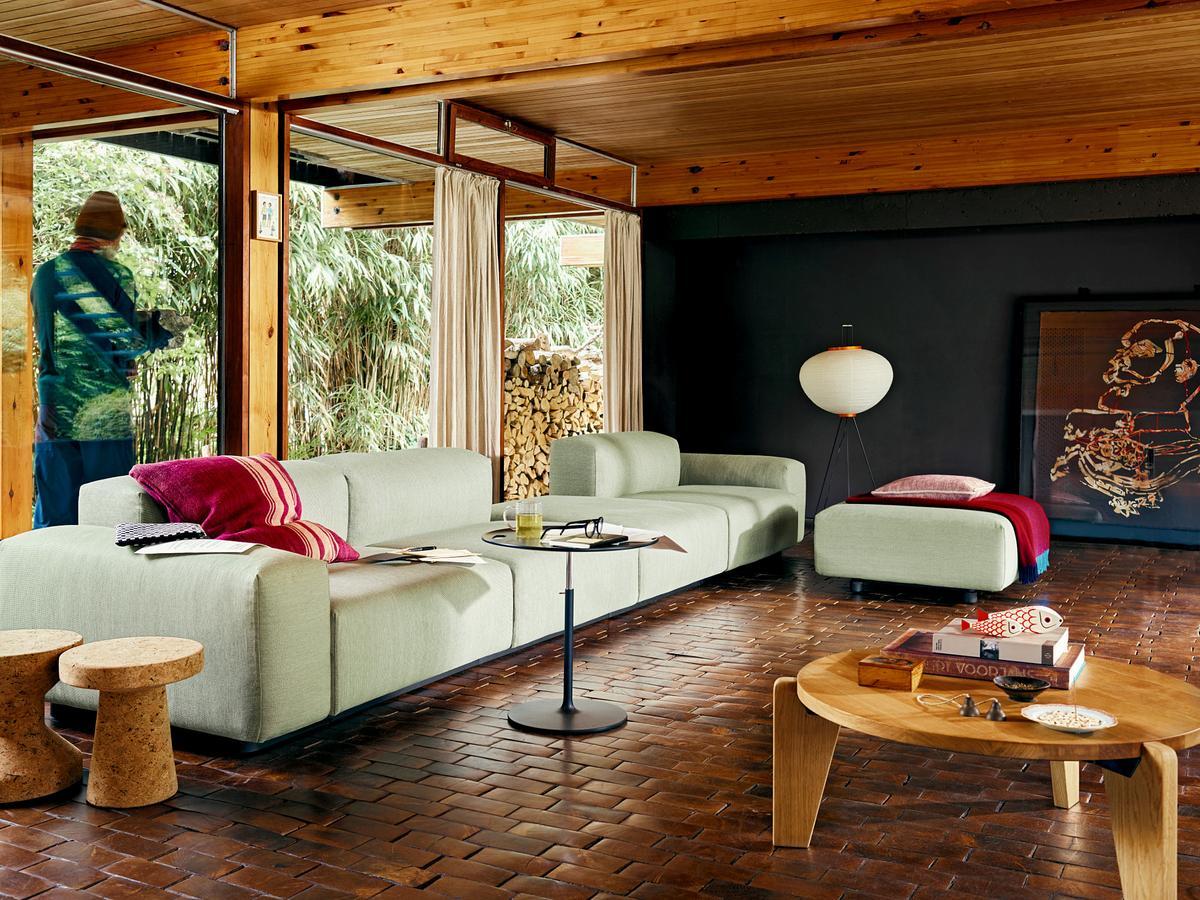 vitra gu ridon bas von jean prouv 1944 designerm bel von. Black Bedroom Furniture Sets. Home Design Ideas