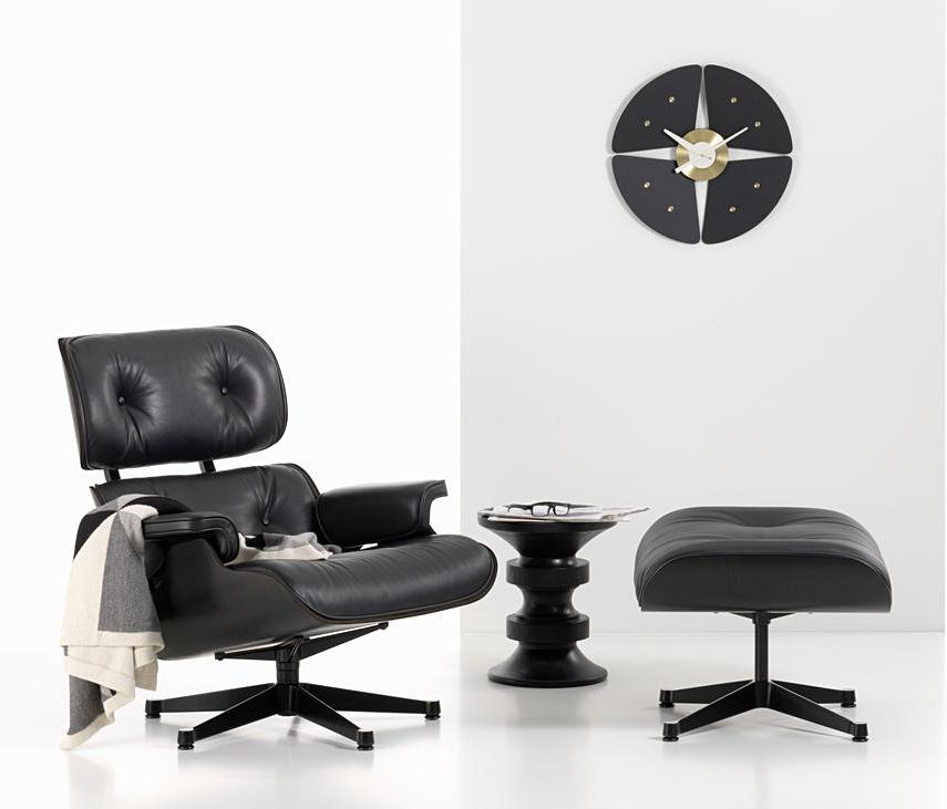vitra lounge chair ottoman black version by charles ray eames 1956 designer furniture. Black Bedroom Furniture Sets. Home Design Ideas