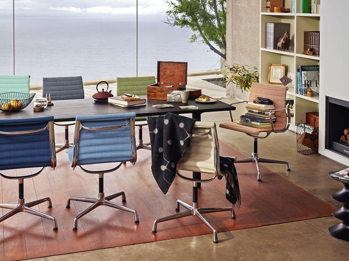 vitra aluminium chair ea 101 von charles ray eames 1958 designerm bel von. Black Bedroom Furniture Sets. Home Design Ideas