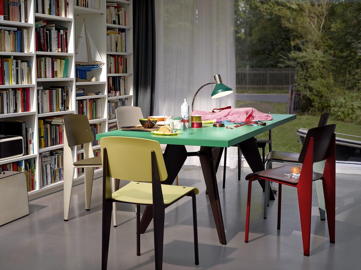 vitra standard sp von jean prouv 1934 1950 designerm bel von. Black Bedroom Furniture Sets. Home Design Ideas
