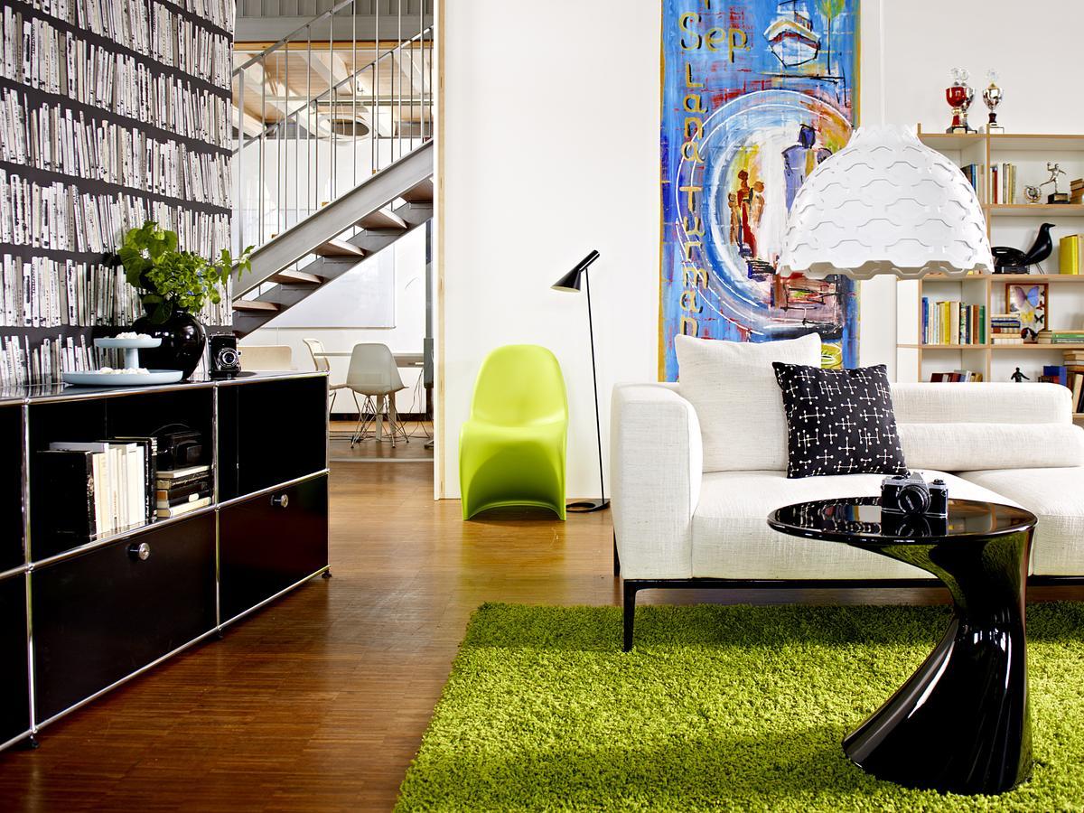 zanotta beistelltisch tod von todd bracher 2005 designerm bel von. Black Bedroom Furniture Sets. Home Design Ideas